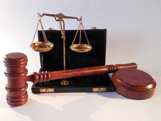W czym umie nam pomóc radca prawny? W jakich kwestiach i w jakich dziedzinach prawa pomoże nam radca prawny?